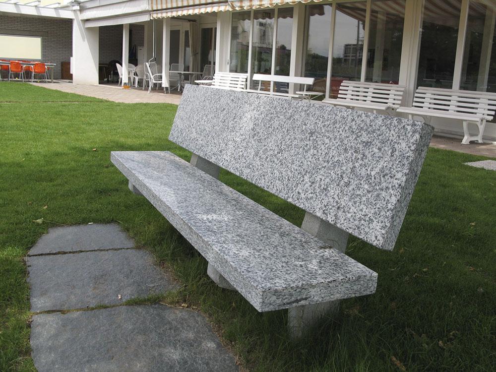 Sitzbank poliert
